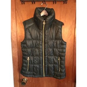 💚 Michael Kors Packed Down Green Puffer Vest 💚